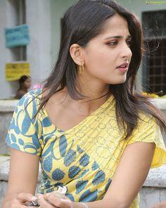 Beautiful Girl Indian, Most Beautiful Indian Actress, Beautiful Actresses, Beautiful Women, Beauty Full Girl, Cute Beauty, Beauty Women, Women's Beauty, Actress Anushka