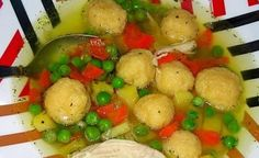 Chicken soup with cheese dumplings and green peas Cooking Tri Tip, Best Cooking Oil, Cooking With Kids, Cooking Beets, Cooking Network, Green Peas, Russian Recipes, Chicken Soup, Potato Salad