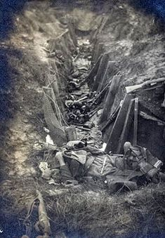WW1, 1916, Bouchavesnes, Somme, dead British soldiers.