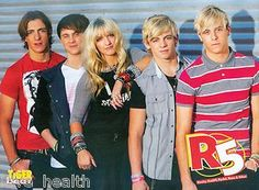 Ross Lynch, Debby Ryan, Double Full Page Pinup R5 Riker, Riker Lynch, Ross Lynch, Tiger Beat, Pin Up Posters, Debby Ryan, I Fall In Love, Cool Bands, Ariana Grande