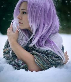 Hairstyle with stunning purple and white colors