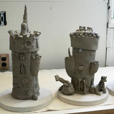 clay castles- maybe build around a card tube for support, it will burn out in the kiln. Use plastic bottle for support and polymer clay? Clay Projects For Kids, Kids Clay, Medieval Times, Medieval Art, Ceramic Clay, Ceramic Pottery, Chateau Moyen Age, Creta, Ceramics Projects