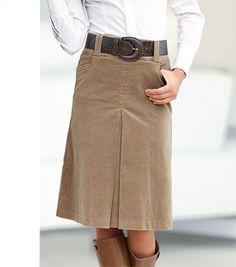Falda con pliegue central