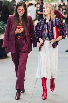 Streetstyle auf der New York Fashion Week. Look Fashion, Fashion Show, Fashion Outfits, Womens Fashion, Fashion Tips, Fashion Trends, Street Fashion, Fashion Mode, Man Fashion