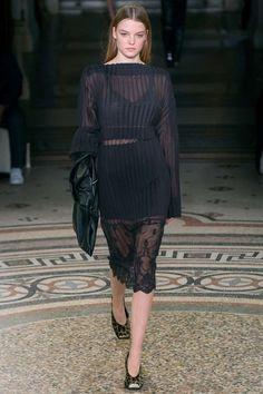 Stella McCartney ready-to-wear autumn/winter '17/'18 - Vogue Australia