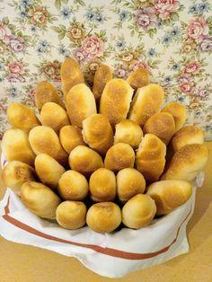 Rohlíky (a iné pečivo z rohlíkového cesta) – moje malé veľké radosti Kefir, Pretzel Bites, Bread Baking, Food And Drink, Meals, Cooking, Party, Hampers, Bread