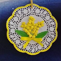 10 Crafts and Ideas for Women's Day: March 8 in joy and creativity Spring Crafts For Kids, Christmas Crafts For Kids, Art For Kids, Kids Crafts, Diy And Crafts, Paper Doily Crafts, Doilies Crafts, Flower Crafts, Spring Art