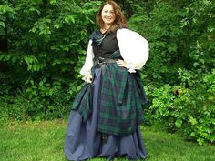 Handmade Celtic, Medieval, and Renaissance Period Clothing and Costumes Scottish Costume, Scottish Dress, Scottish Clothing, Scottish Fashion, Renaissance Festival Costumes, Renaissance Costume, Renaissance Clothing, Steampunk Clothing, Outlander