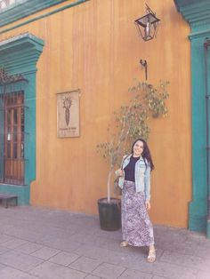 From street food, mezcal to the country side of Oaxaca. Find out how you can explore Oaxaca city in two days in my story about the food, people and culture of Oaxaca. Oaxaca City, Living In Mexico, Agave Plant, Second Day, Like A Local, I Meet You, Quesadillas, Mexico Travel, Day Tours