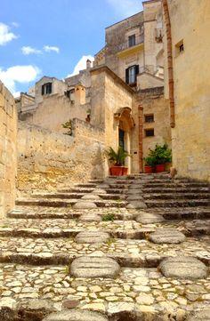 Street of Matera, Basilicata | Italy Show and Tell: Matera | BrowsingItaly.com