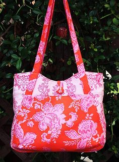Lily Beth Bag Pattern - by artsy-craftsy babe
