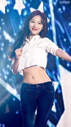 perving on female kpop Get Skinny Legs, Skinny Jeans, Cute Asian Girls, Cute Girls, Kpop Girl Groups, Kpop Girls, Sexy Outfits, Cosmic Girl, Oppa Gangnam Style