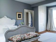 Gemütliches Schlafzimmer Modern Gestalten Graue Wandfarbe   Weißes Kopfbrett