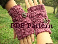 PDF Knitting Pattern  Tiny Bowknot Fingerless by WyandotteWears, $3.00