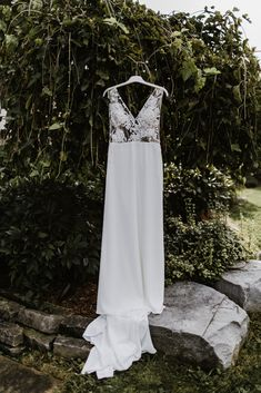 Real Bride Jess wears Wynn WSP 616 by Daalarna from Sash & Bustle - Soft Wedding Dresses, Crepe Wedding Dress, V Neck Wedding Dress, Crepe Dress, Wedding Gowns, Formal Dresses, Bustle, Couture Collection, Bridal Style
