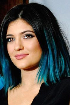 Hair magazine lily allen and kylie jenner – red vs blue - hair . Dyed Hair Ombre, Dip Dye Hair, Hair Color Blue, Green Hair, Hair Color For Kids, Blue Tips Hair, Hair Dye Tips, My Hairstyle, Easy Hairstyles