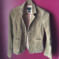 American eagle jacket! This a&e jacket is perfect for the fall! It's corduroy and very stylish! Size small. American Eagle Outfitters Jackets & Coats Blazers