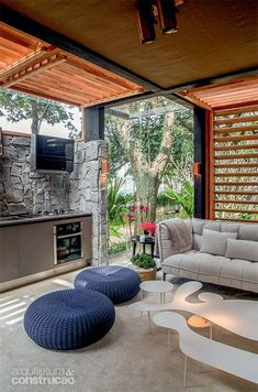 Dream home When old in notion, the pergola may be encountering a contemporary rebirth these Design Exterior, Interior And Exterior, Mexican Home Decor, Outdoor Pergola, Stone Houses, Tiny House Design, Glass House, Architecture Details, House Colors