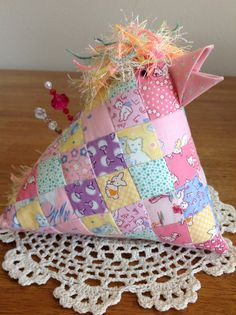 Patchwork chicken pincushion from reproduction 30's by Nettiesetsy, $20.00