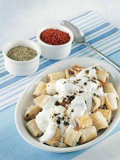 Yufka mantısı tarifi mi arıyorsunuz? En lezzetli Yufka mantısı tarifi be enfes resimli yemek tarifleri için hemen tıklayın!