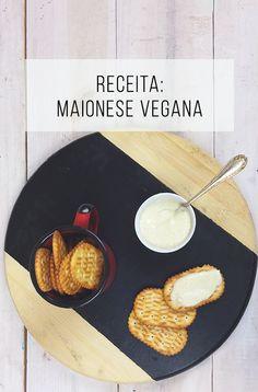 Aprenda a preparar uma maionese sem ovo, vegana, de aquafaba! Fica igualzinha a convencional! ;-) // palavras-chave: cozinha, comida, culinária, receita de maionese vegana, receita vegana, comida vegana, maionese sem ovo, maionese de aquafaba, grão de bico, cream cracker, saudável, saúde, vegetariano, vegetarian, vegan.