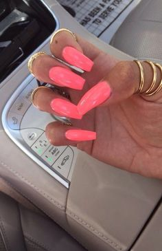 Acrylic Nails are probably the most trending buzzword within the style business now. From Acrylic Nails for Summers to Winters to the number of Acrylic Nail Designs and Acrylic Nail shapes – Discover Cute Acrylic Nails, Neon Nails, Cute Nails, Pretty Nails, My Nails, Coral Pink Nails, Neon Nail Colors, Pink Summer Nails, Spring Nails
