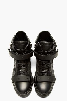 New Sneakers Fashion Design Giuseppe Zanotti Ideas Cute Sneaker Outfits, Sneakers Outfit Summer, Sneakers Fashion Outfits, Cute Sneakers, New Sneakers, Nike Fashion, Casual Sneakers, All Black Sneakers, Casual Shoes