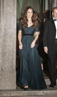Kate Middleton Fashion: Princess or Style Diva?   http://whatwomenloves.blogspot.com/2014/04/kate-middleton-fashion-princess-or.html