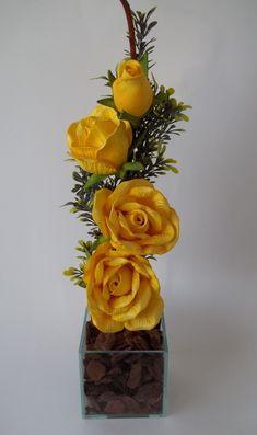 Arranjo de Flores em Eva - Rosas Amarela