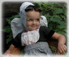 Klederdracht♥Walcheren ~ She is adorable!