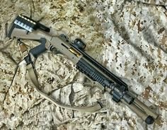 Weapons Guns, Airsoft Guns, Guns And Ammo, Tactical Shotgun, Tactical Gear, Firearms, Shotguns, Benelli M4, Zombie Apocalypse Weapons