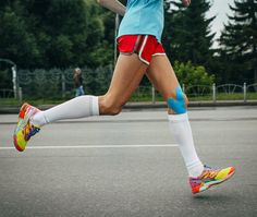 Compression socks, calf sleeves, and tights tout a lot of health benefits, from fast recovery, to more speed, and overall better performance. How experts find out how legit these claims are.