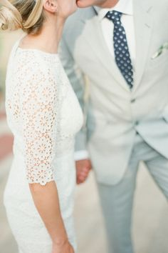 Intimate Central Park wedding: http://www.stylemepretty.com/2015/01/09/simple-chic-central-park-wedding/ | Photography: Brklyn View - http://www.brklynview.com/