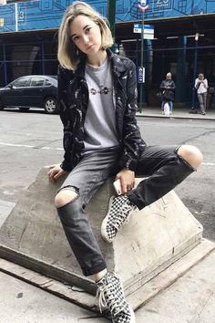 Cool 50+ Best Sarah Snyder Style https://www.fashiotopia.com/2017/04/29/50-best-sarah-snyder-style/ Their pals love them together. Sorry, LOVE isn't a word that springs to mind. You're in love by means of your man.