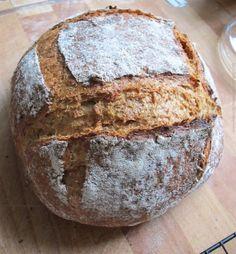 Pszenno-żytni razowy na zakwasie Whole rye and whole wheat bread