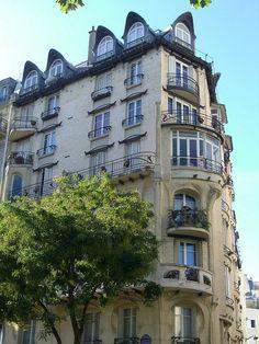 Immeuble Jassédé, 142 avenue de Versailles /1 rue Lancret, Paris XVI (designed by Hector Guimard, 1905)