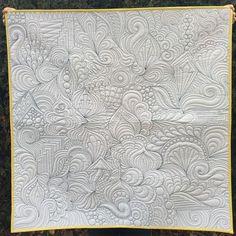 Karlee J Porter. Machine Quilting Designs, Quilting Ideas, Quilting Projects, Quilt Patterns, Quilt Binding, Quilt Stitching, Free Motion Embroidery, Free Motion Quilting, Bubble Quilt