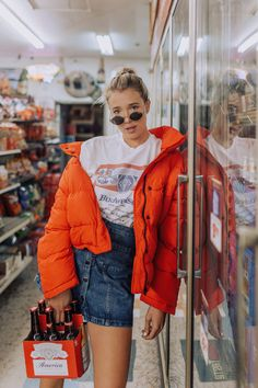 Hustle + Halcyon in Urban Outfitters Photoshoot Inspiration, Style Inspiration, Photography Poses, Fashion Photography, Photography Mini Sessions, Mode Kpop, Foto Fashion, Poses References, Mode Vintage