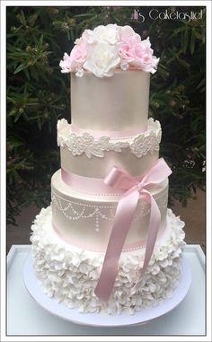 Lustre And Blush Wedding Cake
