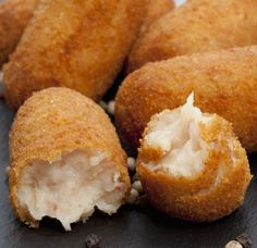 Ham and Cheese Croquettes Happy Valley Dairy Easy Smoothie Recipes, Snack Recipes, Cooking Recipes, Easy Recipes, Dinner Recipes, No Salt Recipes, Cream Recipes, Fingers Food, Salty Foods