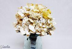 Gisela - Αποξήρανση ανθοδέσμης Wedding Bouquets, Vase, Home Decor, Decoration Home, Wedding Brooch Bouquets, Room Decor, Bridal Bouquets, Wedding Bouquet, Wedding Flowers