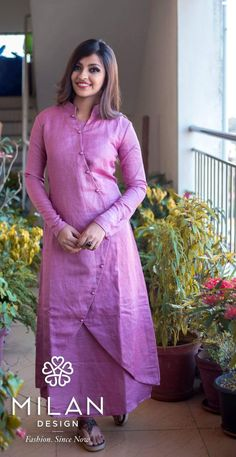 Churidar Designs, Kurta Designs Women, Kurti Neck Designs, Blouse Designs, Salwar Pattern, Kurti Patterns, Indian Designer Outfits, Designer Dresses, Kurtha Designs