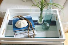 How to give a beachy look to an old crate.