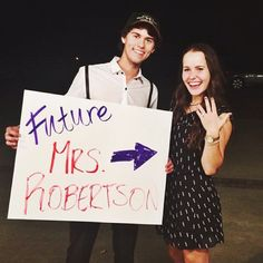 Duck Dynasty Star John Luke Robertson, 19, Is Engaged to Mary Kate McEacharn?See The Photo!