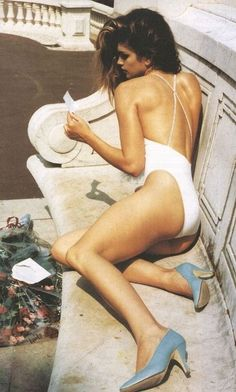 """The Venus de Monaco"" Cindy Crawford photographed by Helmut Newton for US Vogue 1991"
