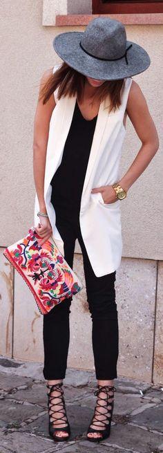 H&m White Women's Long Line Summer Vest. Only the summer vest. White Vest Outfit, Black And White Outfit, Vest Outfits, Casual Outfits, Cute Outfits, Black White, Looks Street Style, Looks Style, Look Fashion