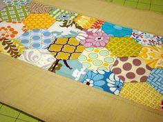 SewCraftyJess: Accuquilt GO! Hexagons: Placemat Tutorial
