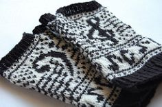 Wristwarmers for musicians, short enough for not hindering in playing instruments.