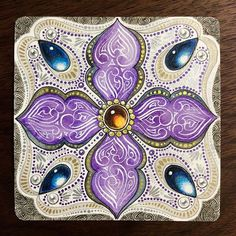 Kae Yoshino, certified zentangle artist and her structured tangled drawings with gems. Zentangle Drawings, Doodles Zentangles, Zentangle Patterns, Tangle Doodle, Zen Doodle, Doodle Art, Tangled Drawing, Gem Drawing, Dreams Catcher