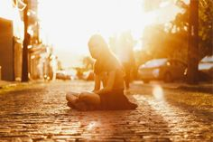 👌 sunset sun rays girl  - get this free picture at Avopix.com    🆗 https://avopix.com/photo/17348-sunset-sun-rays-girl    #sky #sunset #sun #sun rays #silhouette #avopix #free #photos #public #domain